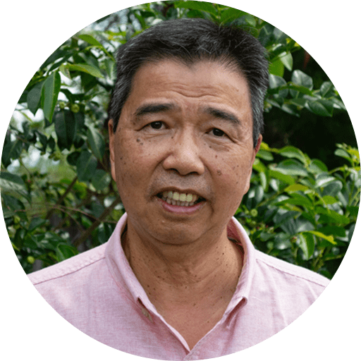 Kenneth is a principal dentist at Envisage Dental, and specialises in laser dentistry and smile analysis. He graduated from the University of Queensland with a Bachelor's degree in Dental Science, and has over 30 years of practical experience.